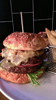 photo credit: Beer Deluxe burger at Beer Deluxe in Hawthorn via photopin (license)