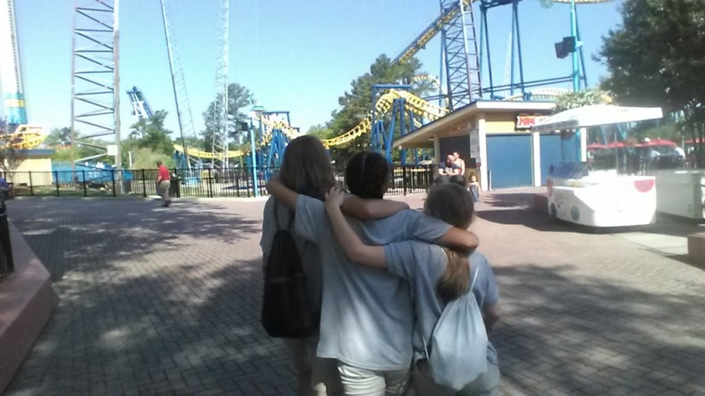 carowinds amusement park girls camdyn field trip chaperone.jpg
