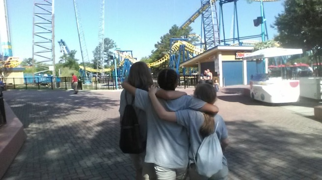 carowinds amusement park girls camdyn field trip chaperone.jpg