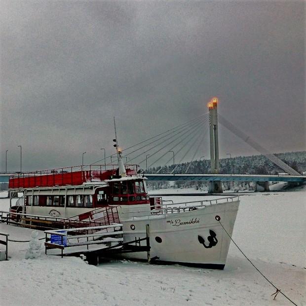 february snow boat
