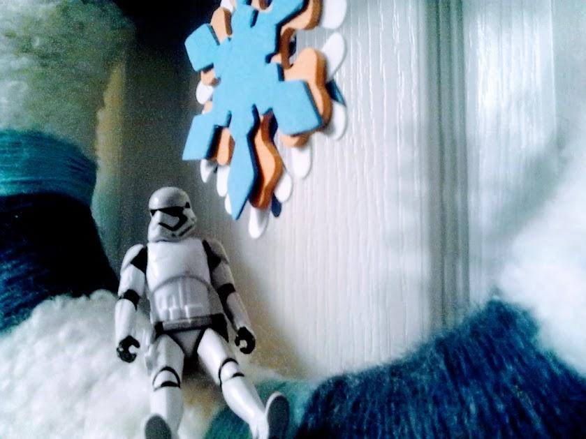 stormtrooper winter wreath snowflake