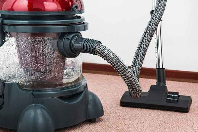 vacuum-cleaner-carpet-cleaner-housework-housekeeping-38325.jpeg