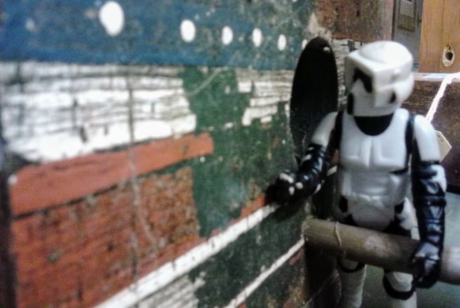 stormtrooper birdhouse 2018 photo opp antique store