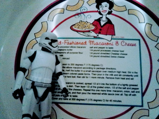 stormtrooper mac and cheese plate last year yum antique shop
