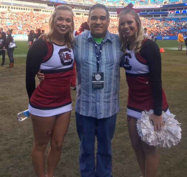 me usc cheerleaders belk bowl 2019 bank of america stadium